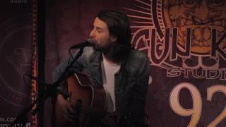 "Bobby Bazini ""C'est La Vie"" (Live In Sun King Studio 92 Powered By Klipsch Audio)"