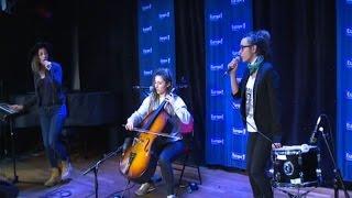 """L.E.J. interprète """"La dalle"""" en live"""