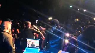 """Show Will G. """"ka Bu esqueci de mi"""" ft Ne Jah discoteca Luanda ( 05/03/2017)"""