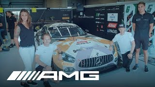 Mercedes-AMG 320 Changes Direction