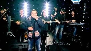 """Νίκος Μακρόπουλος """"Δώδεκα και ένα"""" live @ Mad For Greekz (7/12/13)"""