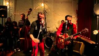 LOS CAVERNAS - She's a Lady (Tom Jones Cover) LIVE!