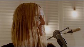 'Sweetspot' by KLARA  (@KLARAfromSweden)  LIVE AT CROUCH END MUSIC SESSIONS