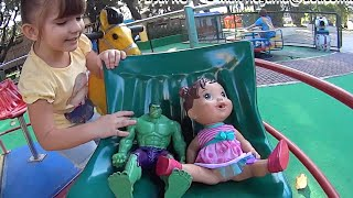 Baby Alive Boneca Hulk Marvel Boneco no Carrossel Balanço Parque Brinquedos Toys Huguetes Kids
