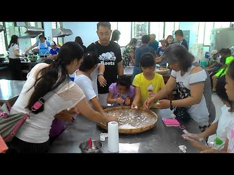 花蓮縣中正國小403班親會食農教育及米食製作搓湯圓和包菜包體驗1 - YouTube