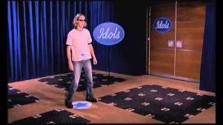 """Hilarious Mark singing """"Alane"""" by  Wes - Audition - Idols season 2"""