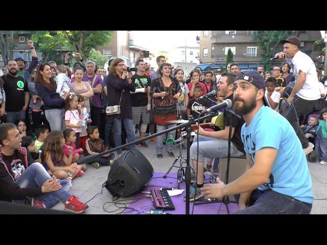 """La Vallekana Sound System: """"El rap de los oficios"""" - Busking in Vallekas, Madrid"""