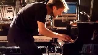 Ólafur Arnalds & Nils Frahm (clip 5) (Live At Pyramide Du Louvre)