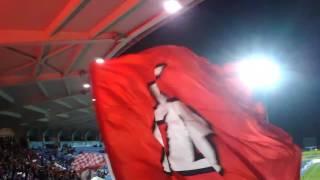 Allez allez allez oh força eterno Benfica allez allez allez oh És o amor da minha vida,es o amor da