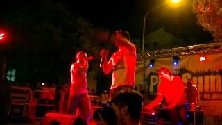 Two Fingerz - Chebbomba Live @ PlaySummer 2011
