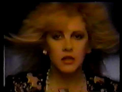 stevie-nicks-i-sing-for-the-things-sweet-piano-demo-flamingcrystal