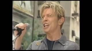 David Bowie - Modern Love (LIVE) (Rockefeller Plaza | New York City)
