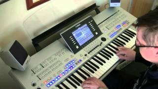Alexandra Burke - Hallelujah - Yamaha Tyros - Cover