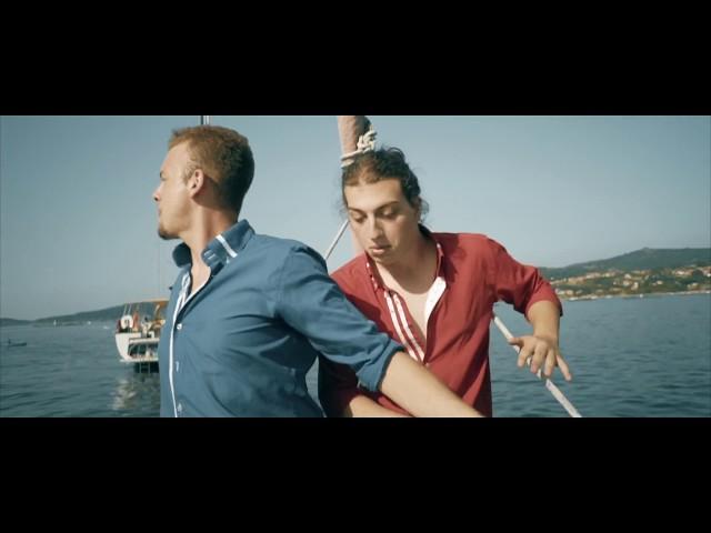 Videoclip de Esteban & Manuel - Hombres del S. XXI