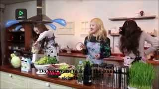 2015 SNSD funny laugh making juice