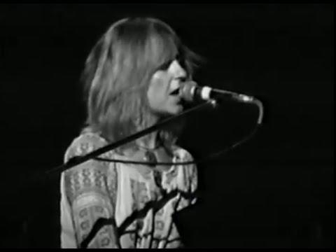 fleetwood-mac-let-me-down-again-10-17-1975-capitol-theatre-official-fleetwood-mac-on-mv