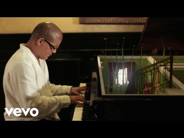 Vídeo de la canción Amor de Otoño de Pablo Milanés
