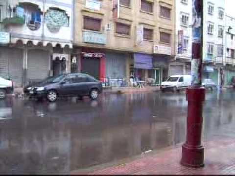 Dscheira, Mainstreet in Rain, 320.ASF