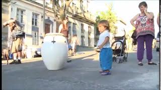 "Candombe uruguayo ""Amandote"" de Jaime Ross interpretado por Victor Félix"