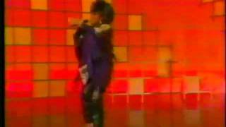 Patti LaBelle - Stir It Up (Live) Getting Down With Her Bad Self!