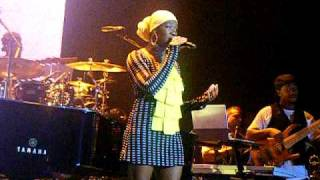 "John Legend & India Arie - ""Good Morning"" (LIVE)"