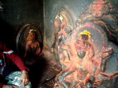 21 Juan Lázara y Shreekrishna  con diosa de la tierra