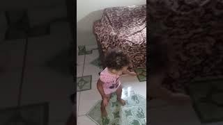 Essa menina danca de mais