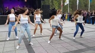SHAKY SHAKY (Remix)  Salsa Show