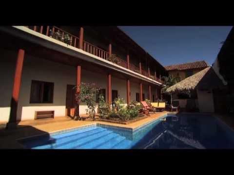 """3 op reis"" in Granada / Nicaragua visiting Hotel con Corazon (english subtitles)"