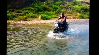 Dominar 400 -  Stunting in the River : MP TubeCast