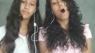 Meninas do CCB cantando  o hino