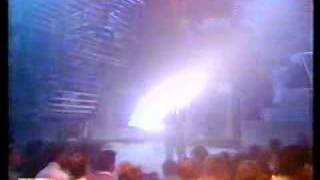 Phil Collins - Groovy Kind of Love - Top of the Pops 1988