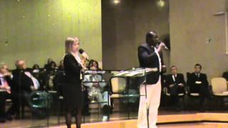 Abiude cantando com a irmã Fernanda DA SUA GLORIA CELESTIAL