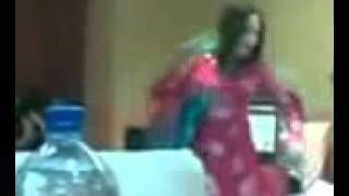 Pashto Local Sexy Dance in Wedding   Mood Ba Na Kharaba Wai   Nazia Iqbal