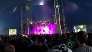 The Rubberbandits - Horse Outside (live at Electric Picnic 2011)