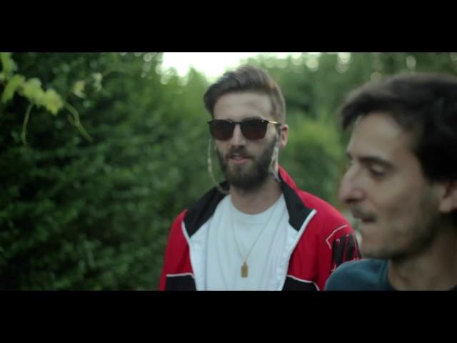Videoclip de 'Nos Vamos a Comer el Mundo', de La M.O.D.A. y Juancho Marqués.