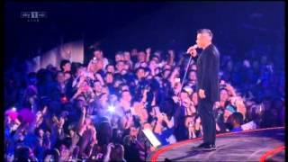 Robbie Williams LIVE @  02 Rock DJ HQ