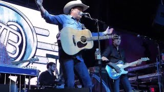 Tracy Byrd - Drinkin' Bone (Houston 12.11.15) HD