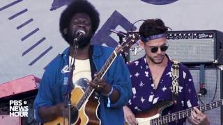 Michael Kiwanukua sings 'Tell Me a Tale' at 2017 Newport Folk Festival