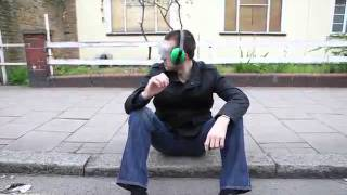 Mr. Lm - Пуша луличка пълна с тревичка _ smoke pipe full with weed.mp4