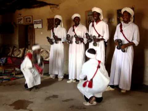 Private tours in morocco with soul Adventure 4×4 , Video in Khamlia , enjoying gnawa music