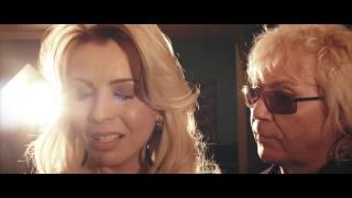 TU TE VAS (Castellano)-  LADY LU Y OVELHA  VIDEO OFICIAL