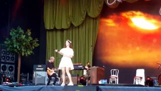 Lana Del Rey - Summertime Sadness live at Vieilles Charrues 2016