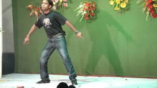 Deepak & Peeyush Dancing @ Sinki Di Mehndi Dance.MP4