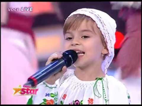 Andra Scaibă cântă muzică populară, la doar şase ani, pe scena Next Star