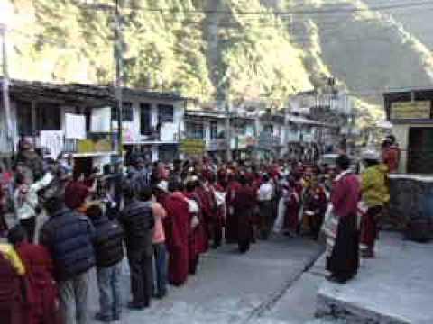 Lama is coming. Syafrubensi. Nepal 2012