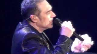 Notis Sfakianakis-Ενα Τσιγγανάκι Είπε (Live)