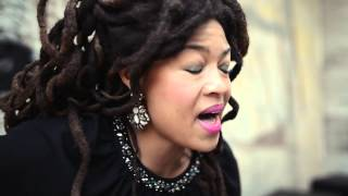 "Rolling Stone Session:  Valerie June - ""Twined And Twisted"""