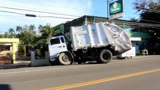 Camión Compactador De Basura De Tenares Sufre Leve Accidente En Ojo De Agua