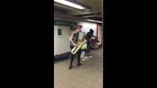 Saxofone artista de rua